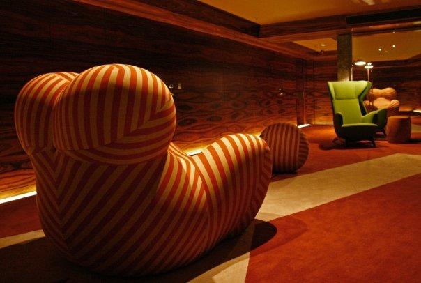 Interior del lujoso Hotel Fasano, diseñado por Phillippe Stark