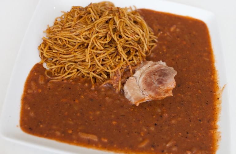 Carapulcra con sopa seca © Sebastián Castañeda