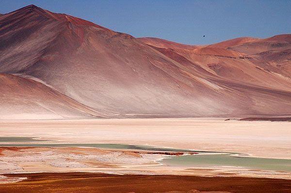 El desierto de Atacama es un lugar donde tierra y cielo se funden.