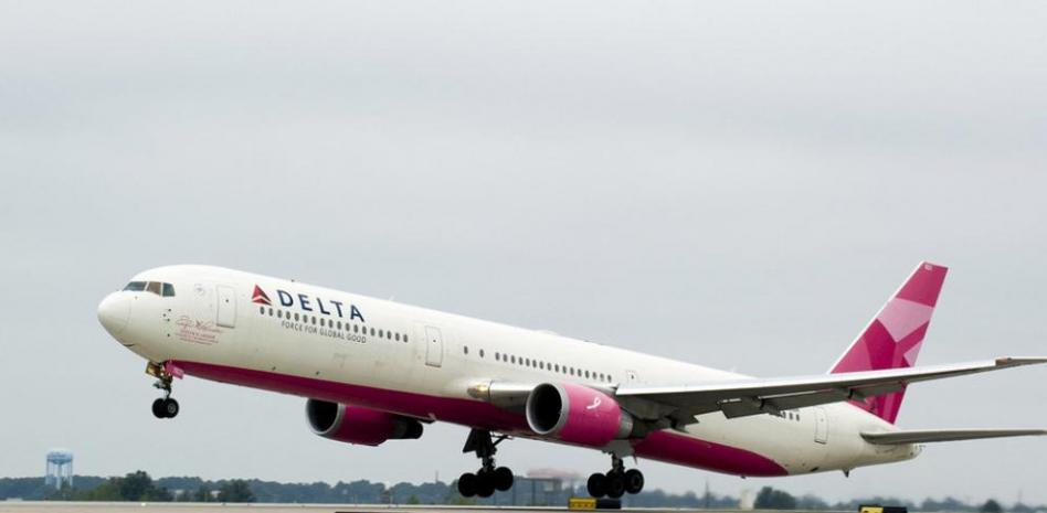 Avión rosa de Delta