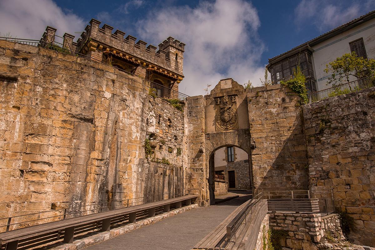 Puerta de Santa María de Hondarribia