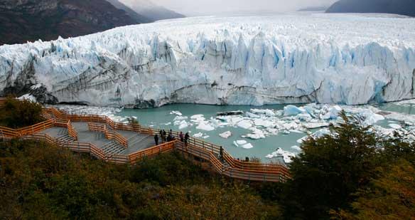 Pasarelas en el Perito Moreno