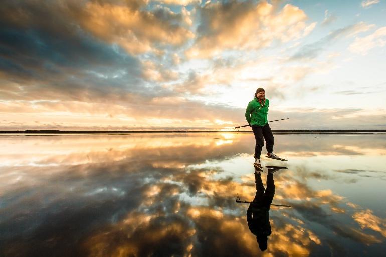 Finlandia es uno de los pocos países de Europa en los que se puede patinar sobre el mar
