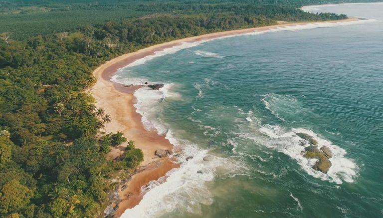 Playa de Sassandra. Foto de la embajada de Costa de Marfil en España