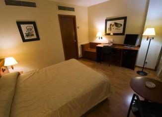Iluminación LED en una habitación de Hoteles Afinia