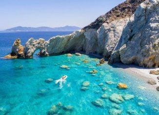 imagen Skopelos y Skiathos, dos islas…