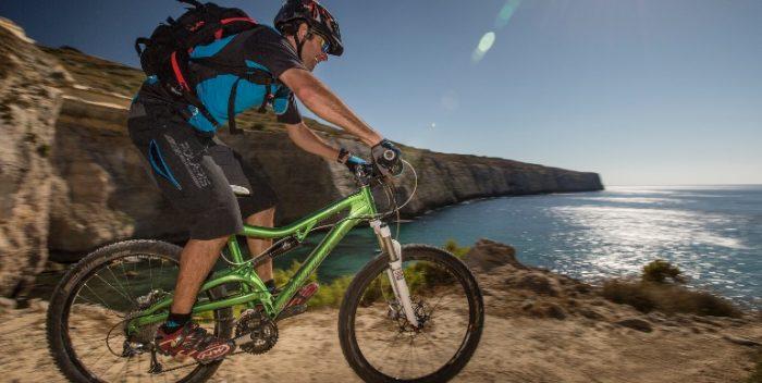 imagen Malta en bicicleta