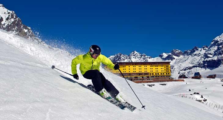 Esquiador en Portillo, Chile