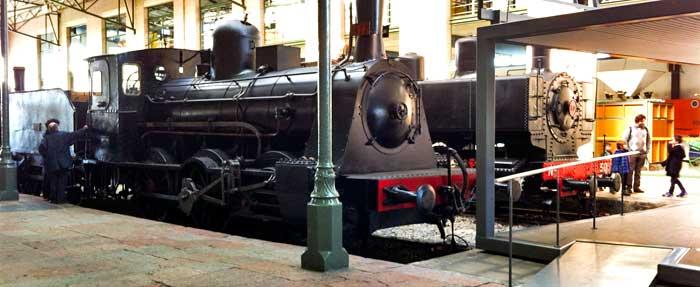 Locomotoras antiguas en el Museo del Ferrocarril de Asturias