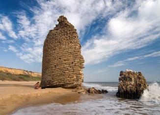 Playa de Almonte con la Torre del Loro