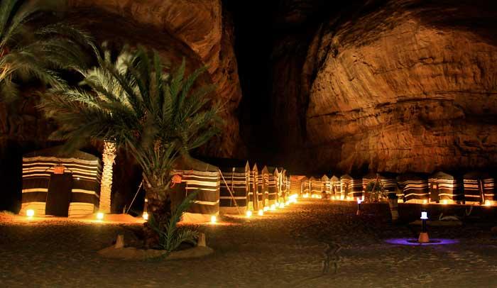Jaimas en Wadi Rum, de noche