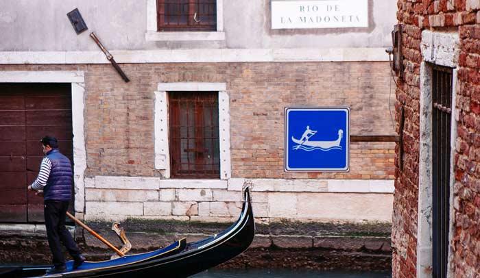 Los canales del barrio de San Polo son más tranquilos que los de San Marco Callejuelas del barrio de San Polo © Flaminia Pelazzi