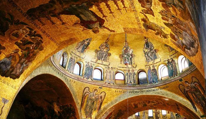 Interior Basílica de San Marco © Flaminia Pelazzi