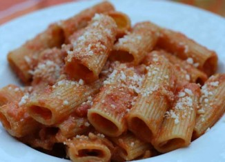 Espagueti alla amatriciana. Foto con licencia Creative Commons de Daniele Muscetta