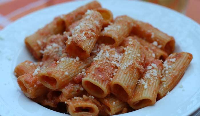 Espagueti alla amatriciana. Foto de Daniele Muscetta con licencia Creative Commons