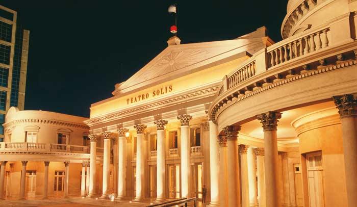 Teatro Solís © Aguaclara Ministerio de Turismo y Deporte de Uruguay