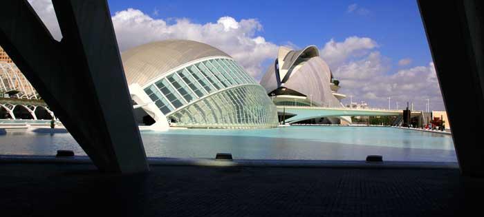 Vistas de la Ciudad de las Artes desde el Museo de las Ciencias Príncipe Felipe