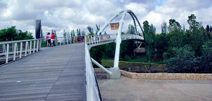 Pasarela de acceso al Bioparc Valencia