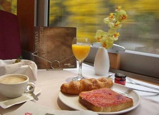 Train & Breakfast