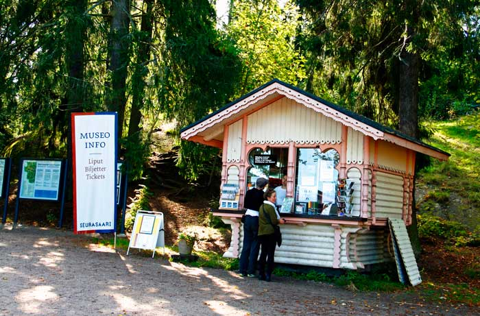 Caseta de entrada del museo de casas Seurasaari