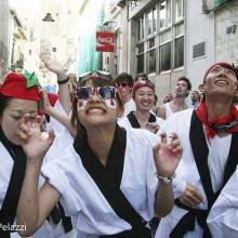 Los turistas japoneses se declaran fans de la Tomatina