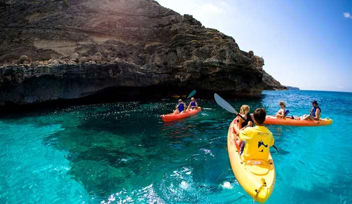 Kayak en Formentera. © Jorge Jiménez