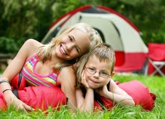 Niños en el camping
