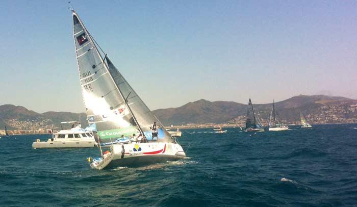 Barcos del Tour de Francia a Vela en la bahía de Roses