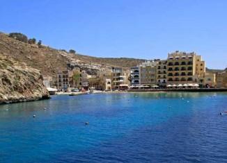 Bahía de Xlendi, Malta