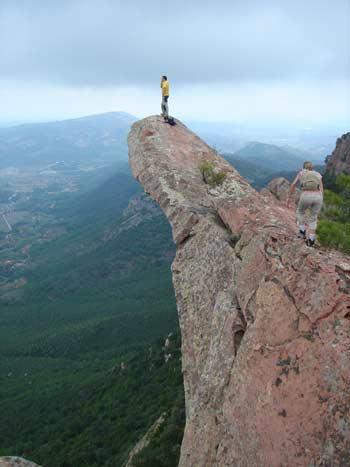 Agujas de Santa Àgueda, Benicàssim, unas de las excursiones que se pueden realizar en el municipio.