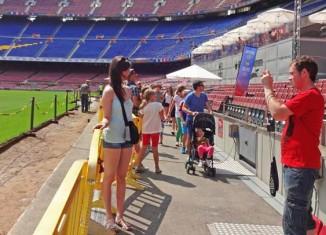 En el Camp Nou Experience se visitan varios espacio como el terreno de juego