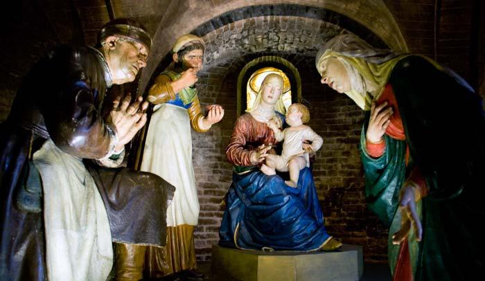 Madonna della pappa, terracotta de Guizo Mazzoni de la Catedral de Módena