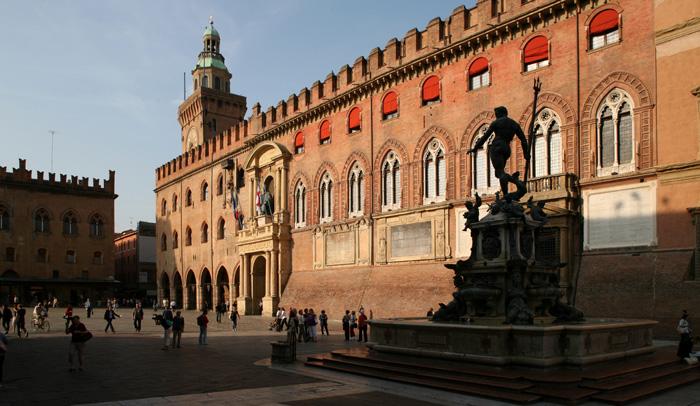 Fuente de Neptuno y Palacio Comunal, también llamado Palacio d'Accursio