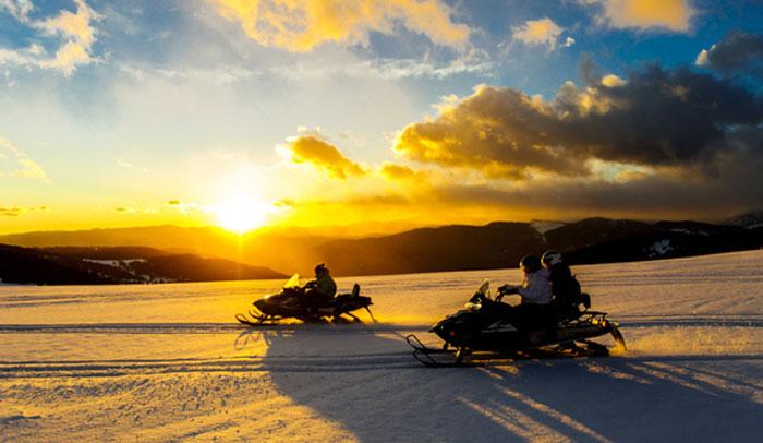 Excursión en moto de nieve por Naturlandia
