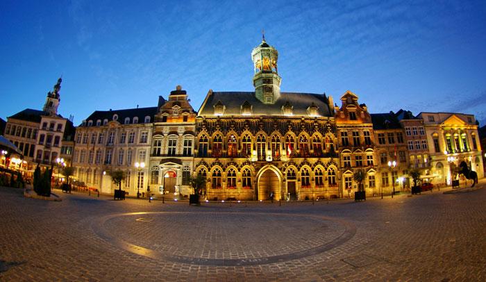 Siete visitas que has de hacer en Mons en 2015