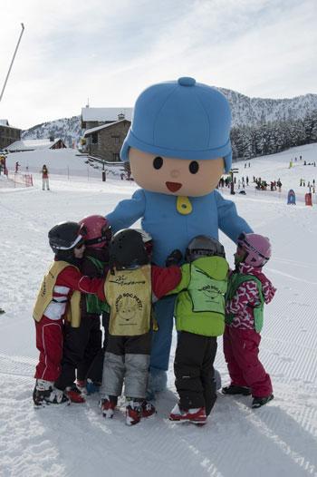 Pocoyó en Vallnord es un aliado para aprender a esquiar
