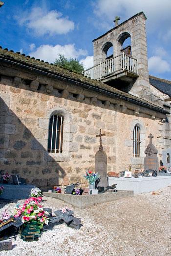 Iglesia de San Pedro de Fontans, en La Lozère