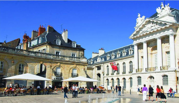 Plaza de la Libération © Mairie de Dijon