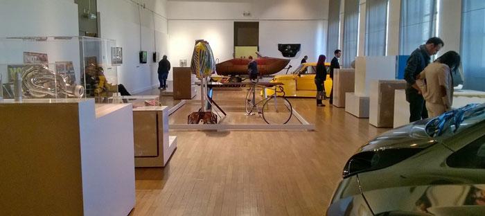 """Exposición temporal IN Biennale """"Tu nais, tuning, tu meurs"""" en el Museo de Arte e Industria de Saint Etienne"""