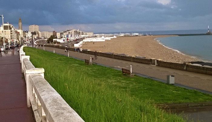 Playa de Le Havre desde la Sainte-Adresse