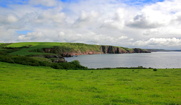 Paisaje de la costa suroeste galesa