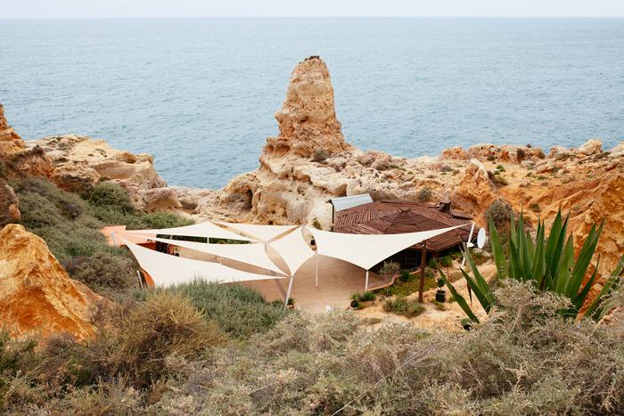 Exterior cueva Aboneca © Flaminia Pelazzi
