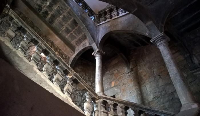 Escaleras del Palacio Malaval-Laffont, del siglo XVII, situado en la calle del amor.