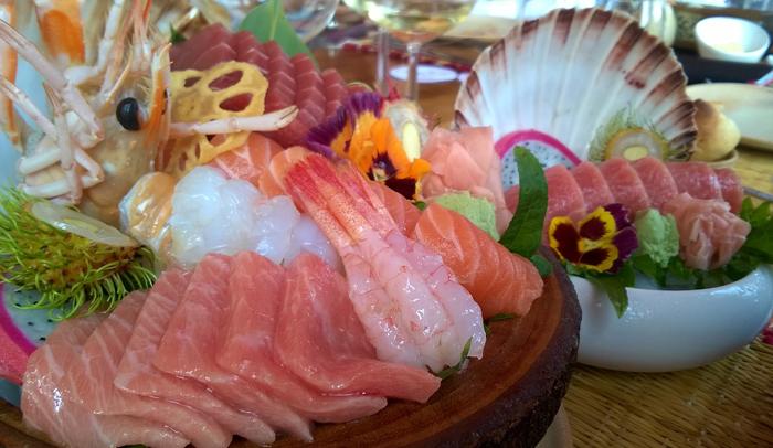 Sashimi y nigiri de toro en Carpe Diem Gastro
