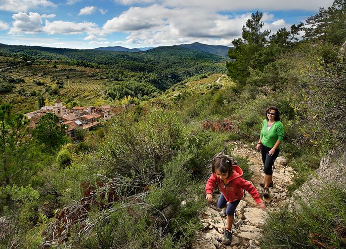 Las Montañas de Tarragona tienen rutas de senderimo aptas para todos los públicos. © Rafael López-Monné
