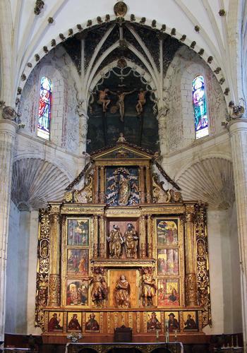 Retablo mayor de la Iglesia de Santa Eulalia de Paredes de Nava con obras de Berruguete