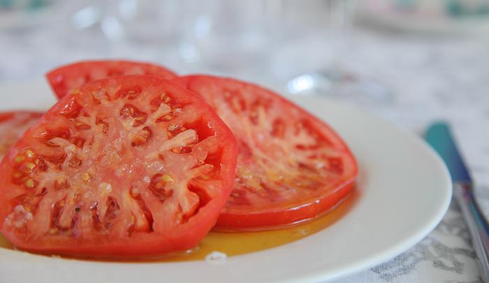 Los tomates del Hotel Restaurante Estrella del Bajo Carrión son excelentes
