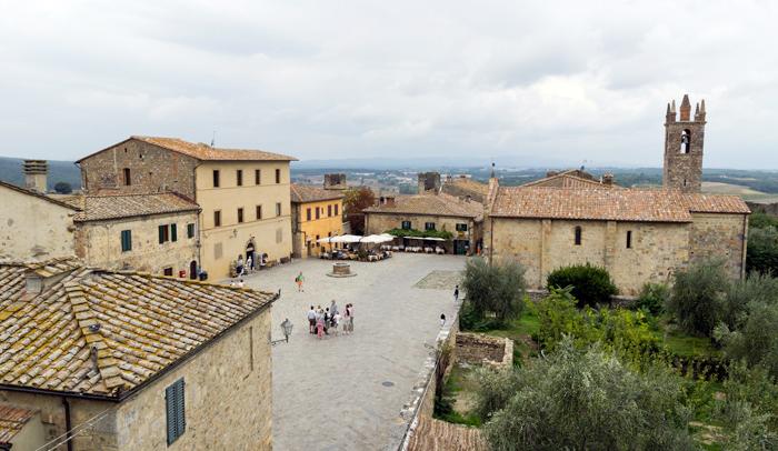 Plaza Monteriggioni