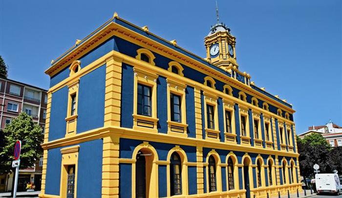 Edificio La Canilla donde está la oficina de turismo de Portugalete