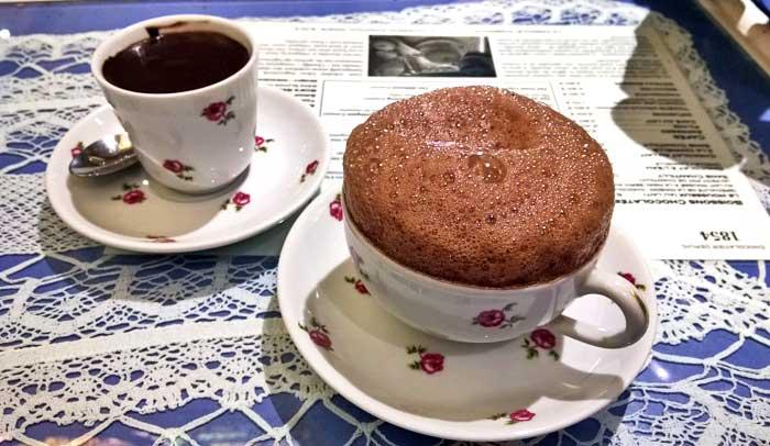 Chocolate al agua y chocolate emulsionado, los dos productos estrella de Maison Cazenave